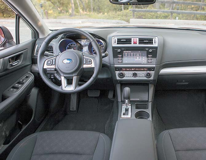Subaru_Legacy_interior