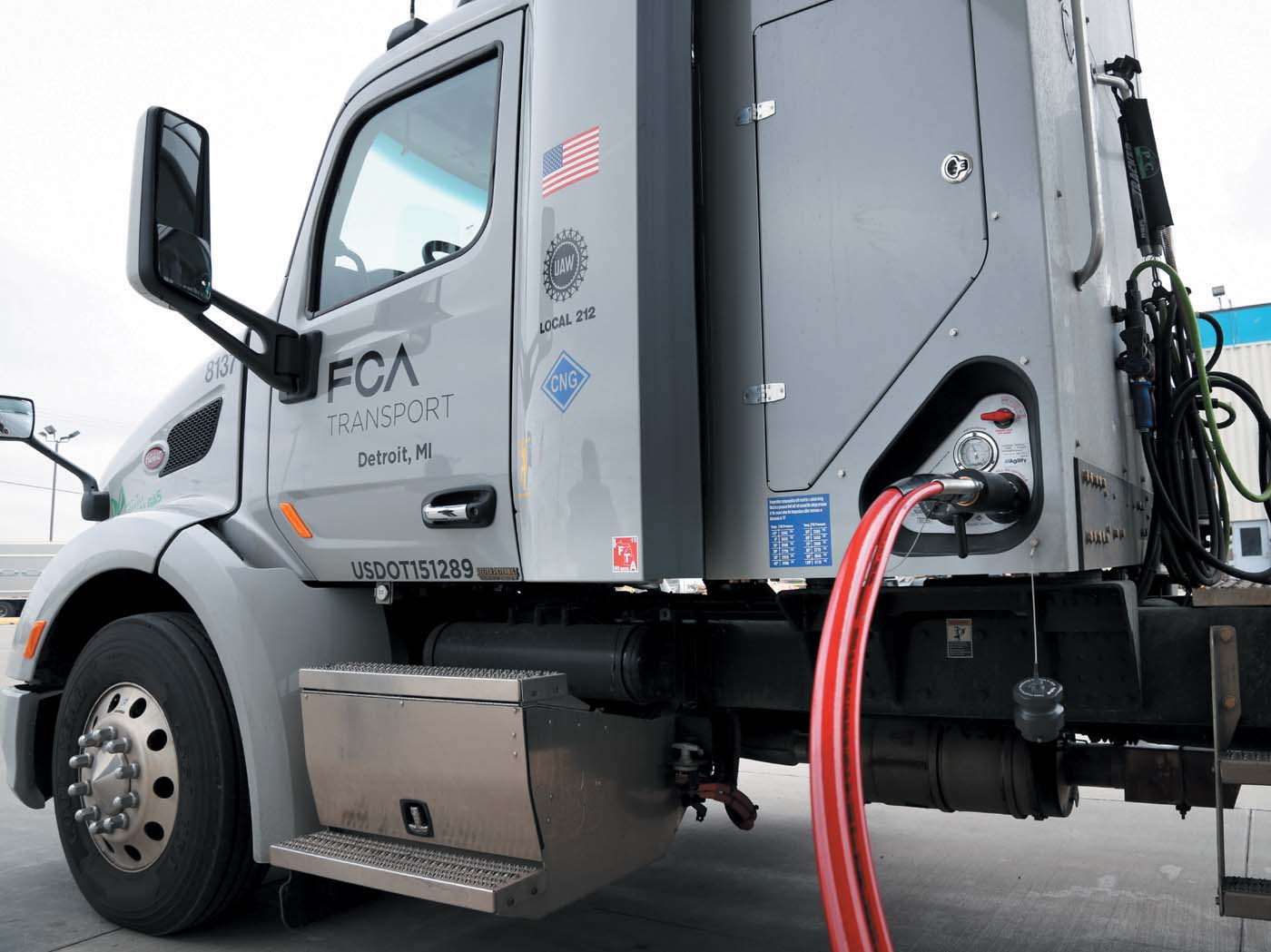 FCA_CNG truck