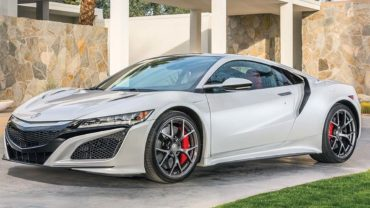 Does Honda have another mid-engine hybrid sports car in the works?