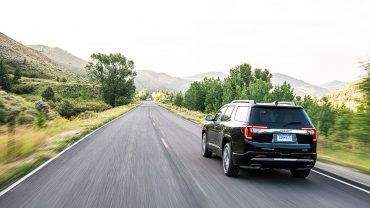 2020 GMC ACADIA: Style and roominess in a trimmed-out wrapper is hard to beat