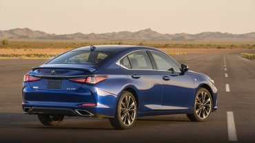 2019 LEXUS ES: Sensible Lexus luxury has never looked better, moved faster or saved more fuel